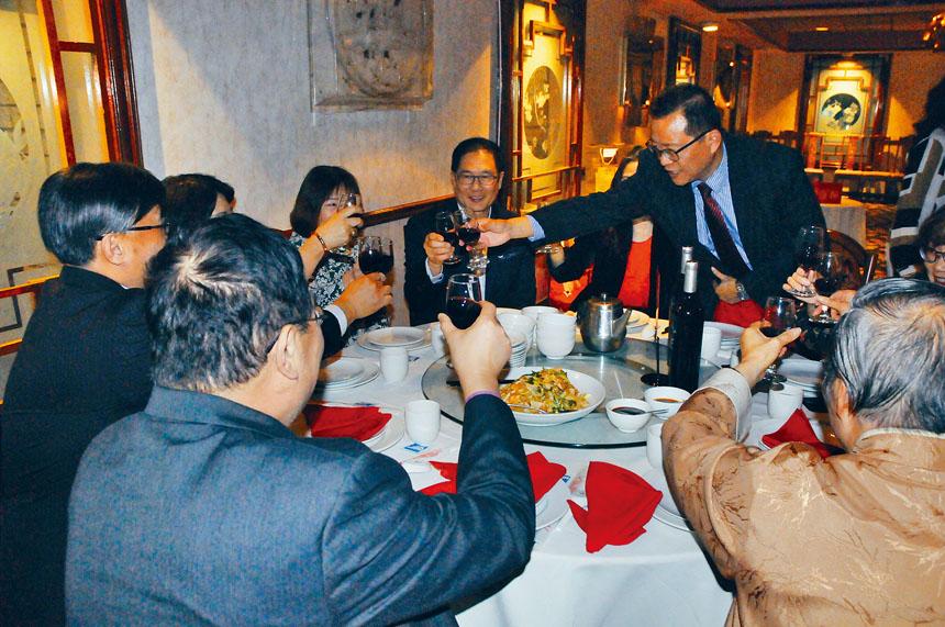 大華府台灣商會舉辦年度尾牙餐會。胡疏資攝影
