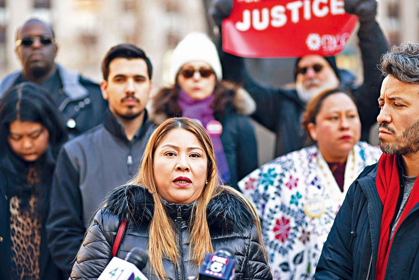 中槍男子迪亞茲的母親挺身批評ICE的暴力行為。美聯社