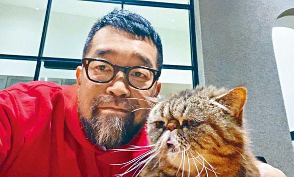 日前槙原上載與愛貓的合照,似乎未知大難臨頭。