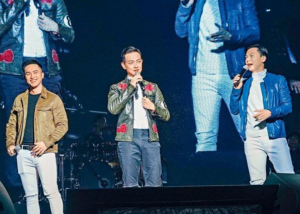 梁競徽將捧場的好兄弟陳國峰和莫家淦拉上台合唱。