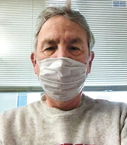 夏威夷居民泰臣感染新冠肺炎留醫橫濱,擔憂妻子也可能染病卻不獲救治。電視截圖