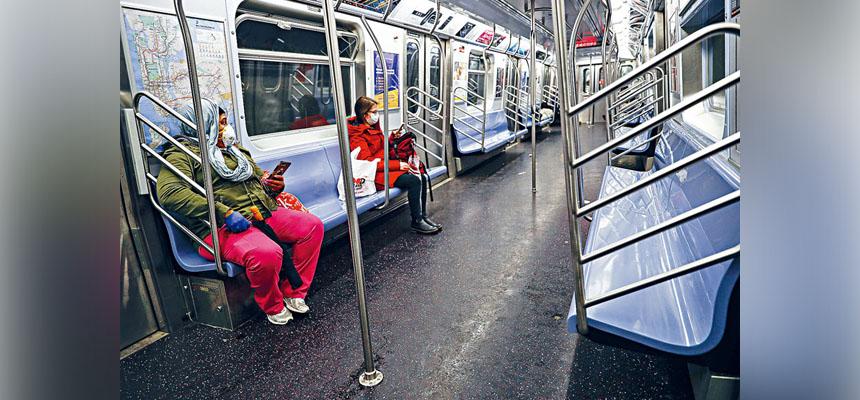 在新冠疫情影響之下,地鐵乘客量暴跌了87%。美聯社