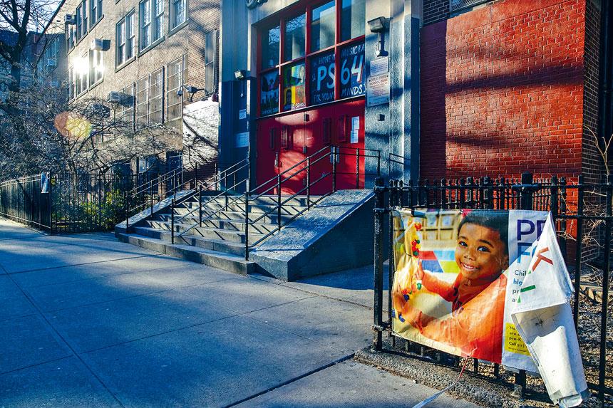 紐約市學校停課期間,學生改為在家遙距學習。Brittainy Newman/紐約時報