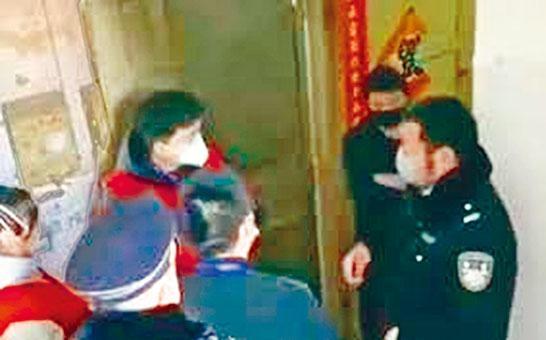 警員當日到鄭州毒王家調查。