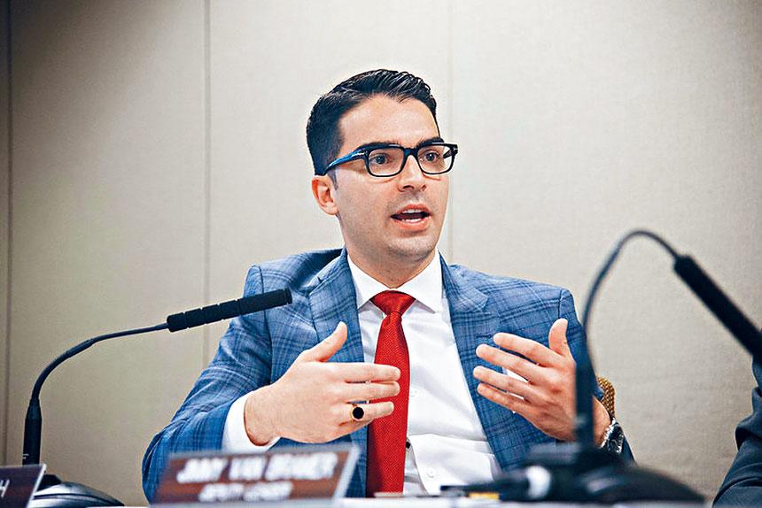 烏利奇敦促市議會對柯謨的決策展開調查。市議會圖片