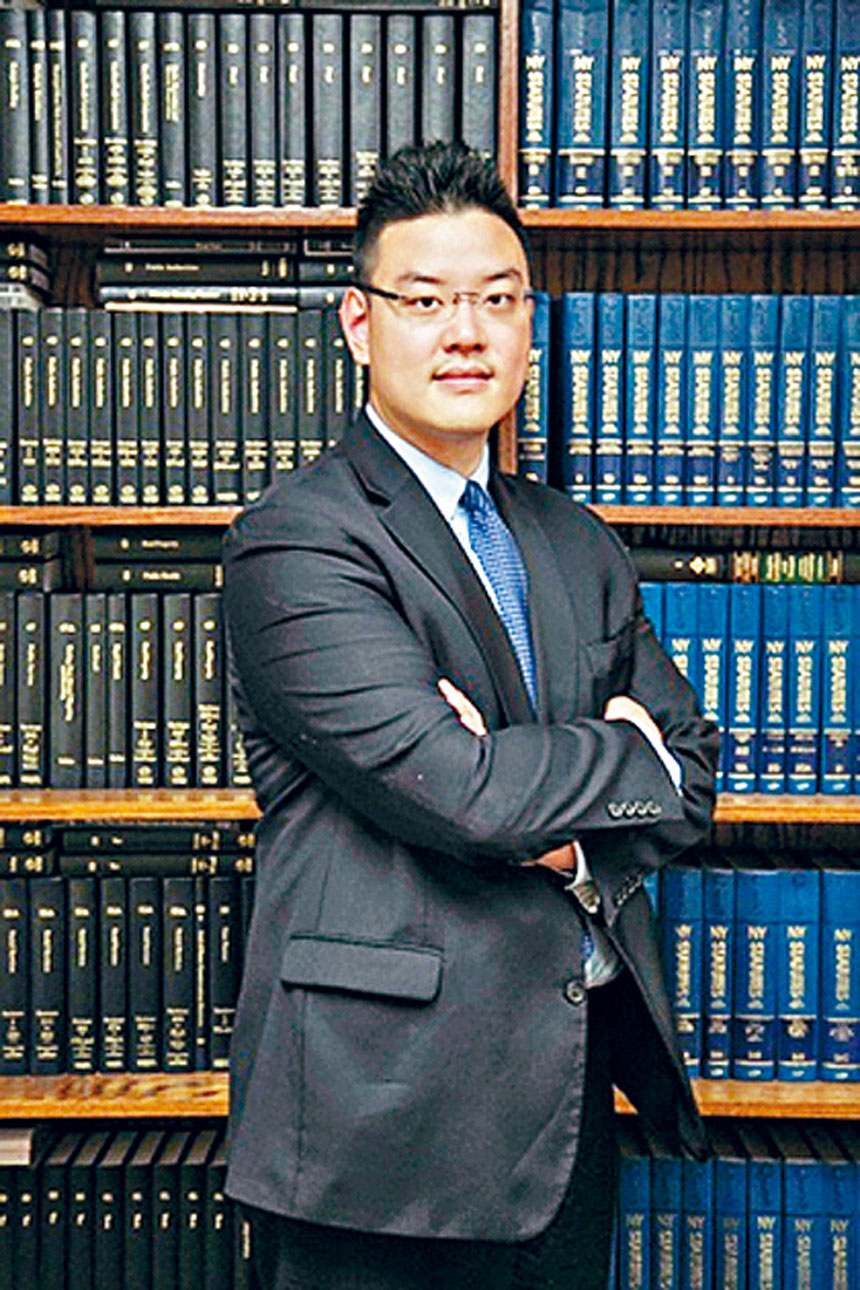 史帝文律師樓執業律師張向榮律師(Marcus Cheung)。