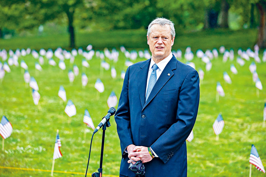 州長查理貝克在國殤日紀念活動中致詞。州府提供