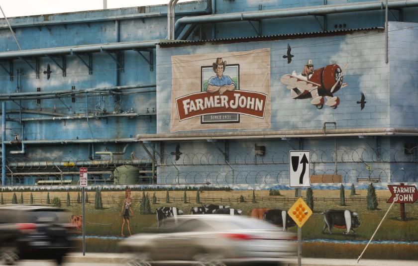 南加州弗農市(Vernon)約翰農場(Farmer John)屠宰場傳出爆發新冠肺炎疫情。洛杉磯時報
