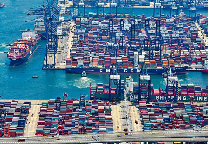 本港四月進出口繼續受壓,但較三月跌幅收窄。