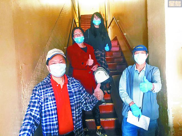同鄉會常務副會長蕭健榮、第一副會長劉金賢、中文書記余志毅及主要職員同心協力下,安排口罩派送工作。中山同鄉會提供