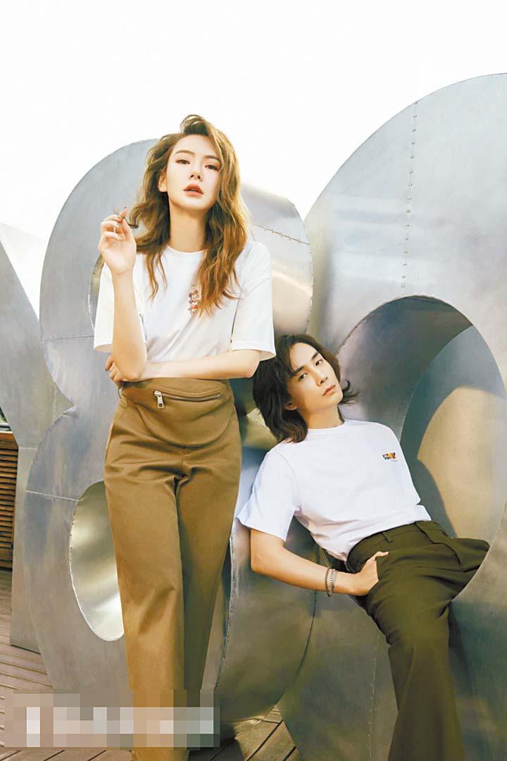 圖為戚薇和丈夫李承鉉合影。 網上圖片