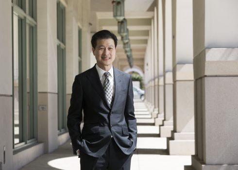 華美銀行董事長吳建民撰文強調美中合作有利於全球應對新冠病毒