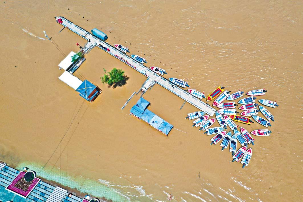 持續降雨致黃河蘭州段水位上漲。 新華社