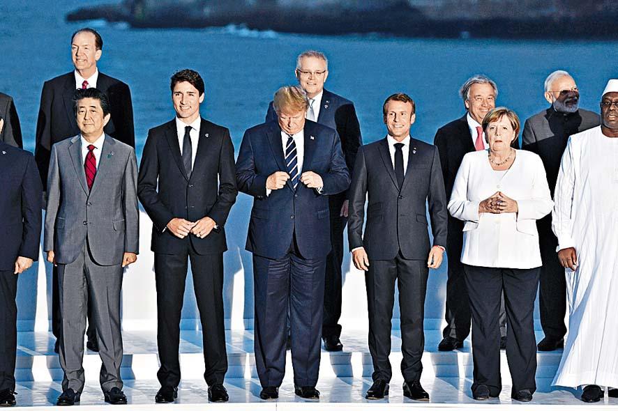 去年八月,七國集團領袖在出席峰會期間合照。