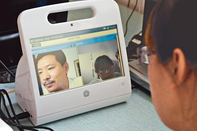 內地近年已應用遠程醫療,何仲平亦提倡本港應用,透過視像為覆診病人會診。