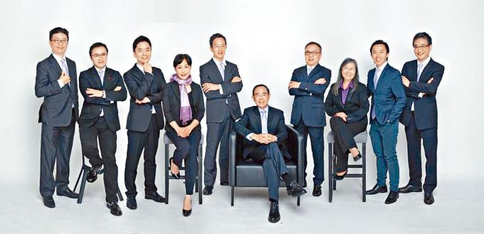 何仲平參選團隊名叫「Concordia」,意指團結、和諧。