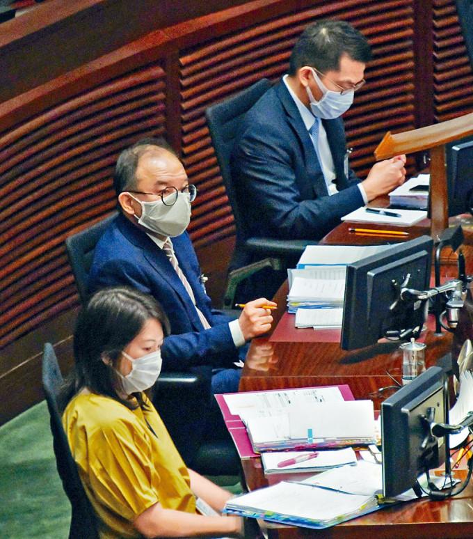 《國歌法》預料令可三讀表決。圖為政制及內地事務局局長曾國衞。
