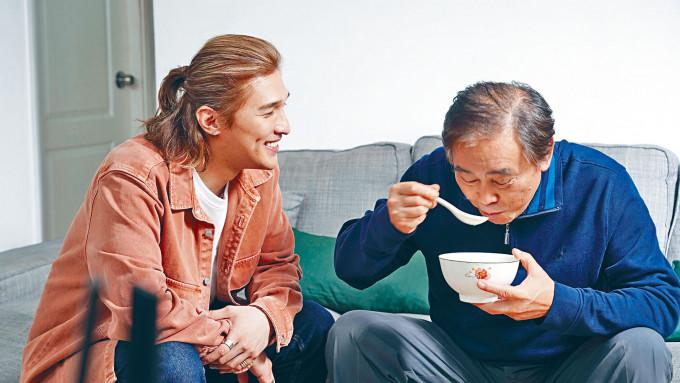 又南因父親同患認知障礙症,故拍攝《無.忘我》時放了不少真感情。