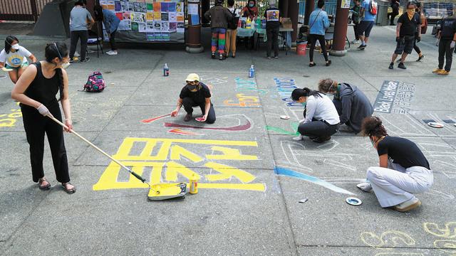 華埠花園角廣場舉行「黑人的命也是命」公共藝術活動。記者黃偉江攝
