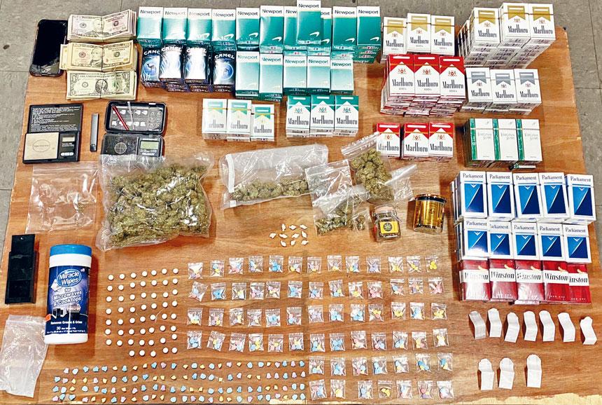 警方從雜貨店內搜獲得大麻等毒品。