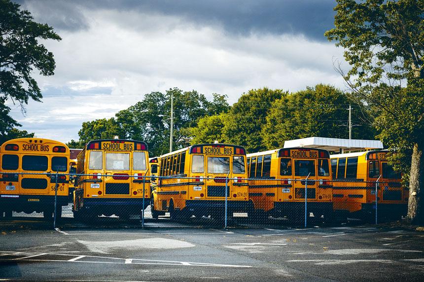 教育局未對9月復課時的校巴安排公布任何方案。Audra Melton/紐約時報
