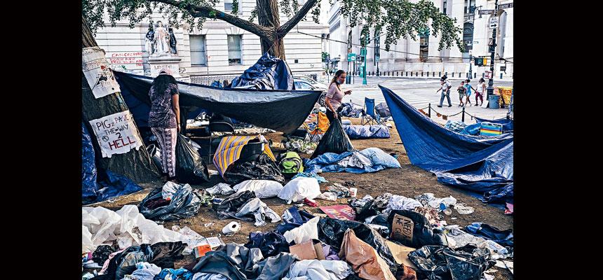 在新冠疫情大流行之下,紐約市街道衛生問題愈發嚴重。Byron Smith/紐約時報
