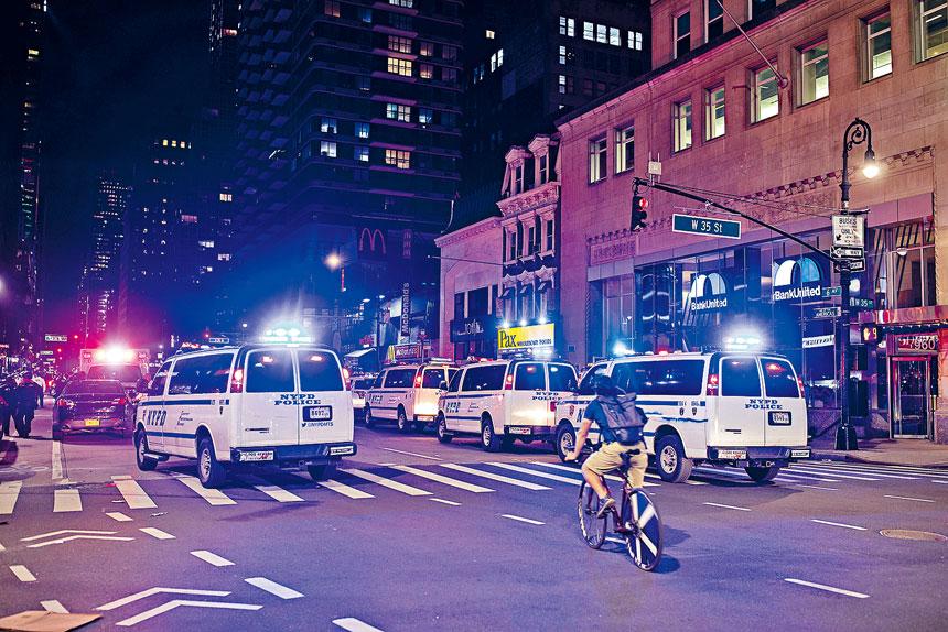 白思豪計劃在槍支暴力熱點增加警力。Demetrius Freeman/紐約時報