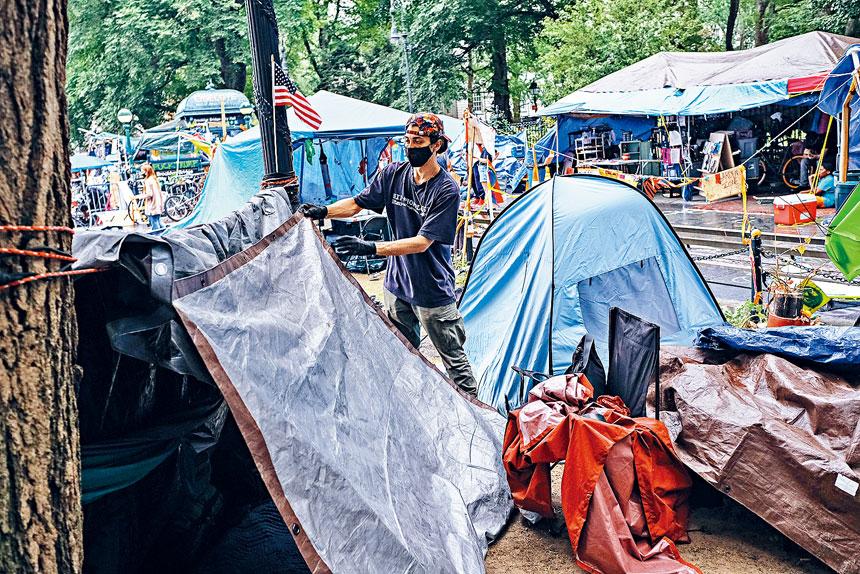 組織者承認,現時大多數留守者都是遊民。Byron Smith/紐約時報