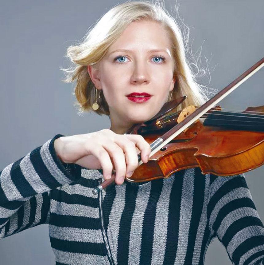 參加演出的小提琴家朱莉婭·格倫。檔案圖片