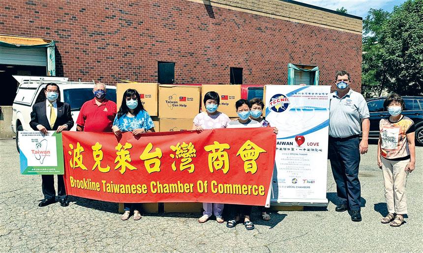 波克萊台商會捐贈六萬片口罩給新罕州。主辦方提供