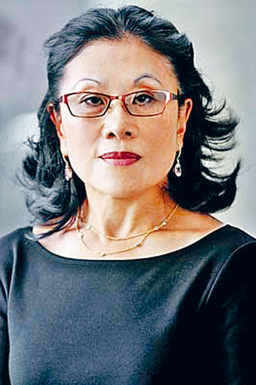 潘德美醫眼科診所備有先進的看診設備,使用精密、先進的矯正儀,擅長治療亞裔人的眼疾。