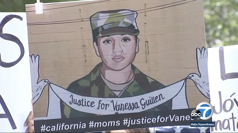 女兵吉倫(Vanessa Guillen)疑似遭其他士兵在軍中殺害,多名洛縣拉丁婦女為其舉行示威。ABC7新聞畫面截圖