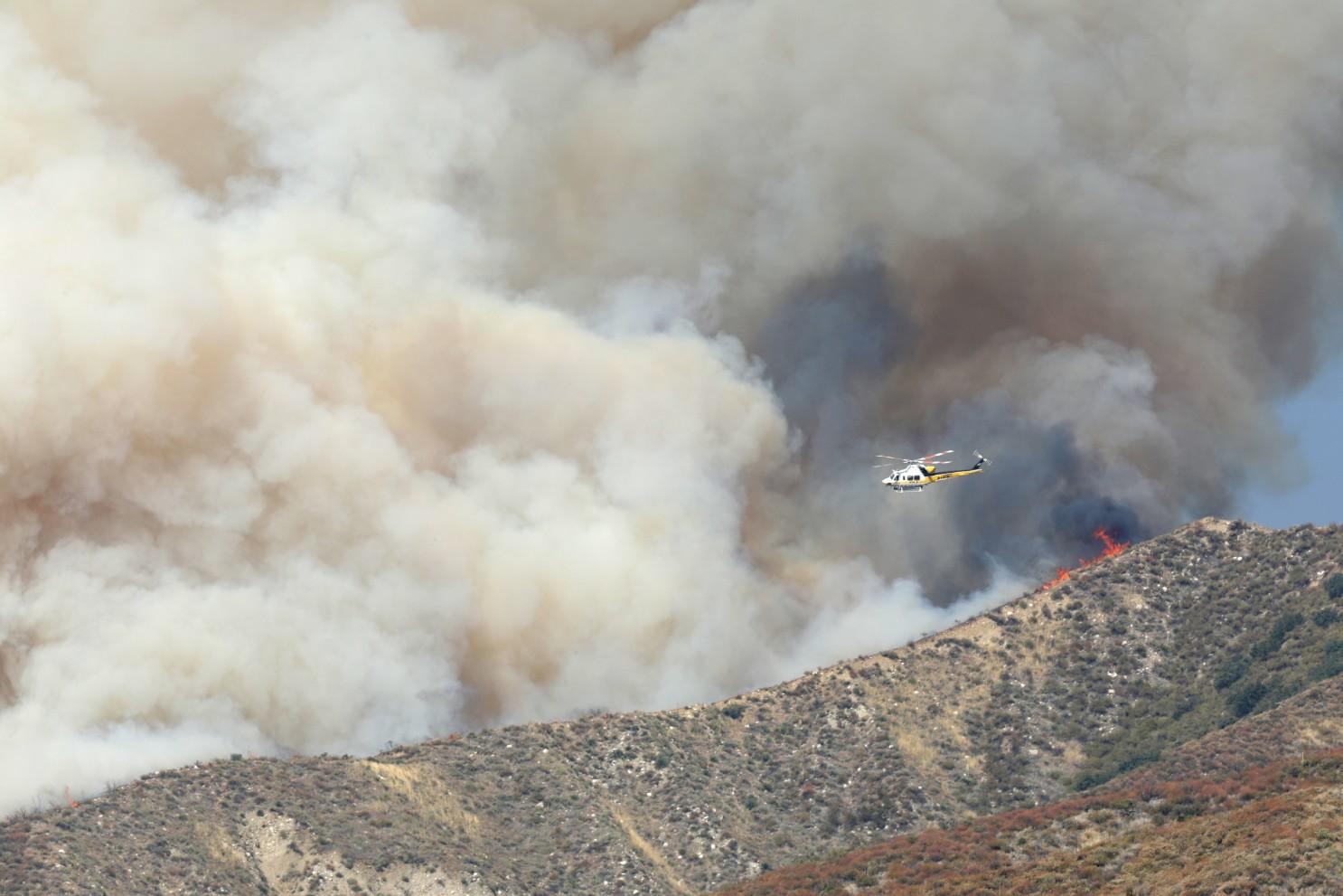 山火季來臨,民眾需注意空氣質量,留意火險理賠。洛杉磯時報圖