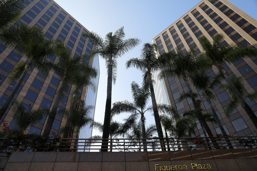 洛杉磯建築與安全部一位前官員稱,他在提出該機構一些不法行為之後遭到「殺雞儆猴」。洛杉磯時報