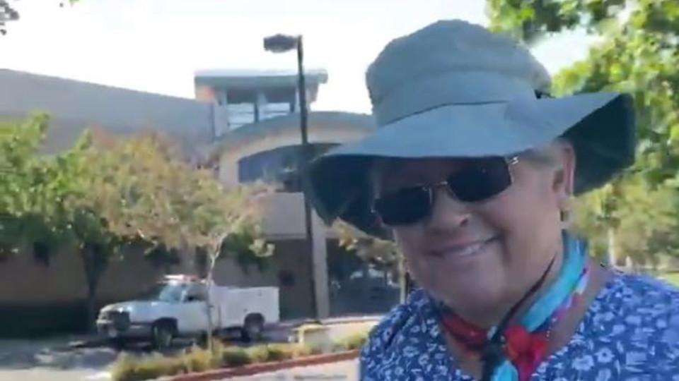 托倫斯市歧視亞裔之白人婦女Lena Hernandez已遭檢方起訴去年的暴行。KTLA 5