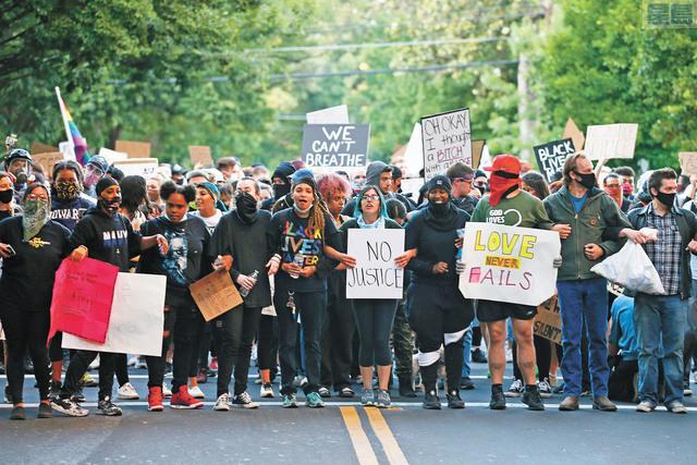 連月來各場示威造成州府地區的執法開支超過7千萬。美聯社資料圖片