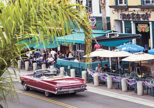 橙縣至少已有六家餐館因員工確診或與染疫者頻繁接觸而曾經暫時關閉消毒 。洛杉磯時報