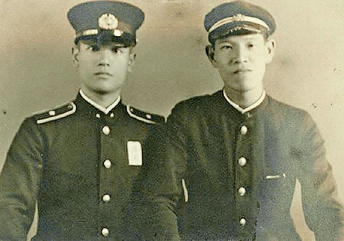李登輝(右)與哥哥李登欽(左)二戰期間為日本作戰。