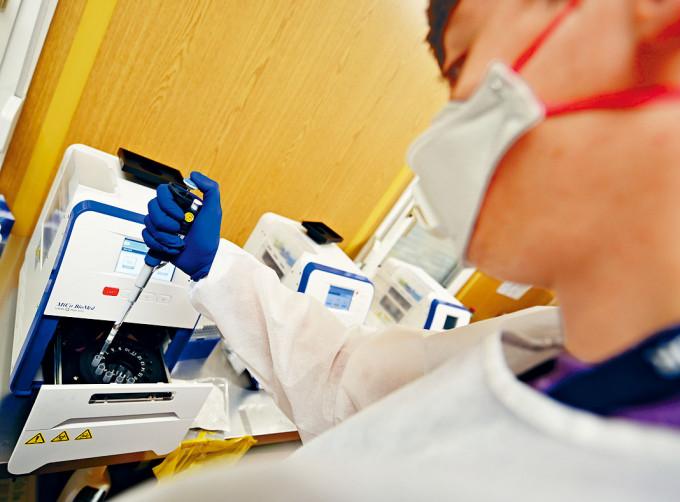 美國股市上周五表現強勁,受惠新疫苗研發有進展。