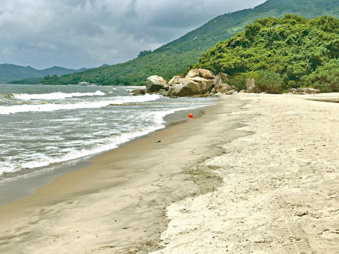 中電稱長沙海灘沒有硬珊瑚和重要保護性的物種記錄。