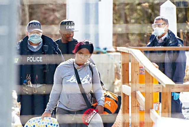 ■國安部8日頒布新規,禁止任何來自或途經爆發傳染病國家的人士申請庇護。 獨立論壇報圖片