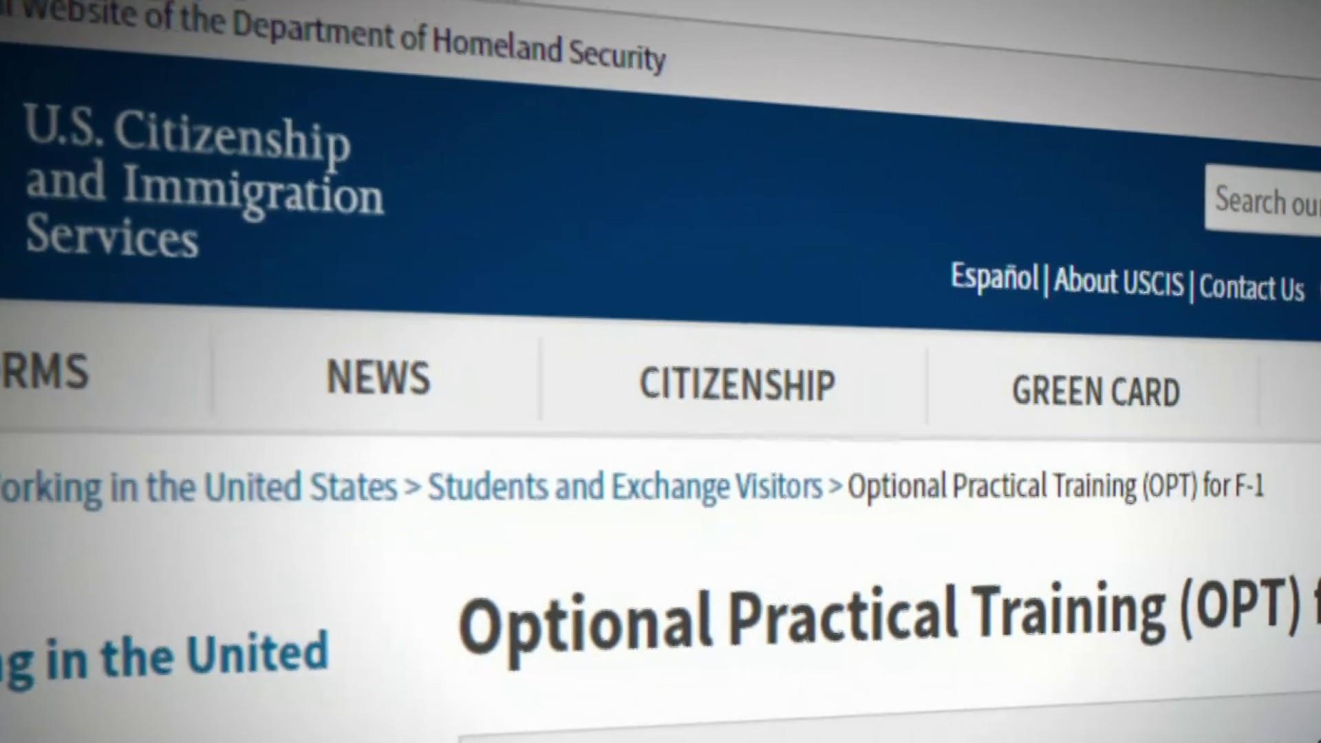 公民及移民服務局申訴專員公署提交年度報告,批評外國學生經常申請的「選擇性實習訓練」計劃對國家安全構成威脅。    電視屏幕截圖