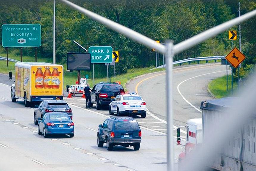史島高速公路設障攔查外州車輛暫時推行順利。
