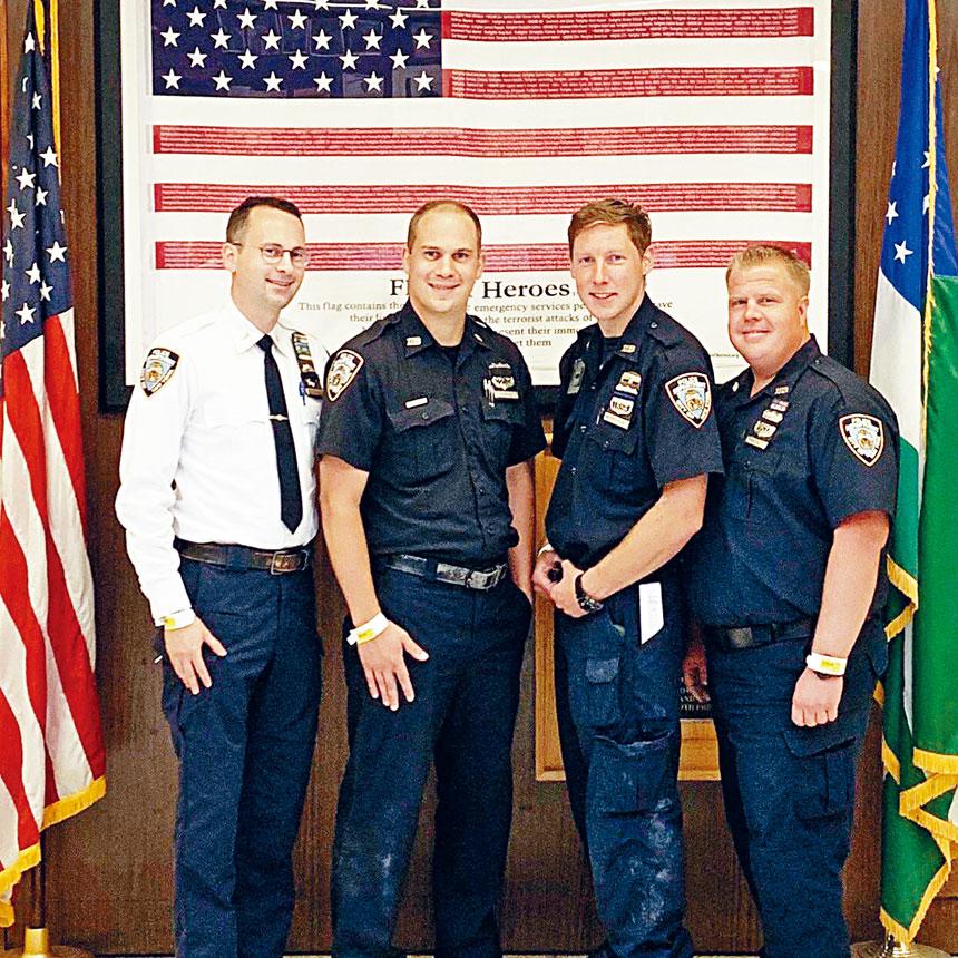 109分局的4名警察在此案中表現出色,獲得處長謝伊的表揚。警方提供