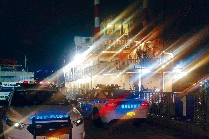 近期不少人無視風險舉行派對,包括本周逾170人參加的船上派對。美聯社