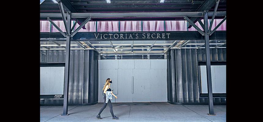 以往曼哈頓的黃金零售地段,現在已變得十分冷清。Hiroko Masuike/紐約時報