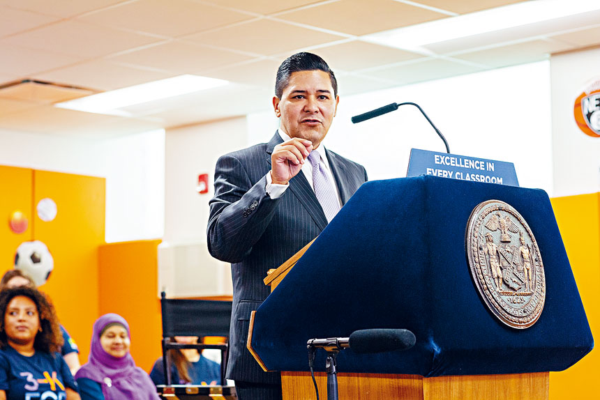 市教育總監卡蘭薩日前提出讓學生在戶外上課計劃。Sarah Blesener/紐約時報