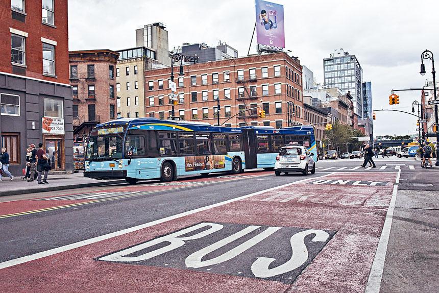 白思豪6月宣布增建巴士專線以緩解擁堵。Kirsten Luce/紐約時報