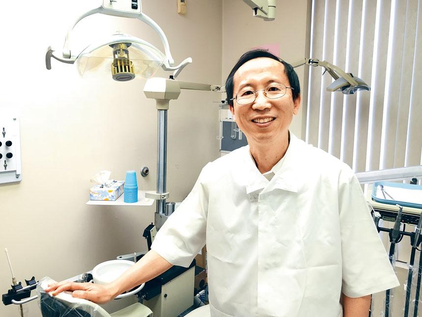 提供最先進而優質服務的紐約大學牙醫學院博士黃知行醫生。