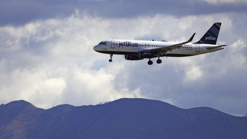 航空公司防疫出招,致力保護乘客和員工。美聯社